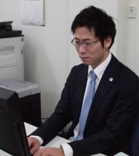 横田雄介法律事務所-600x674