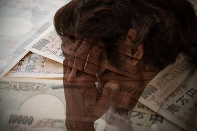 借金に悩む男性