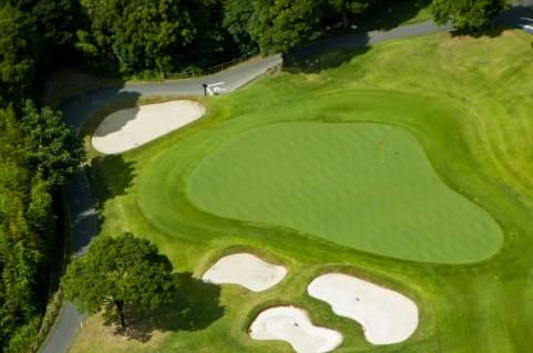 ゴルフ会員権の相続財産の評価と手続き方法