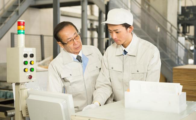 従業員承継~役員・社員への事業引継ぎのメリットとハードル