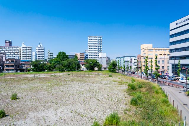 都市の広大な土地
